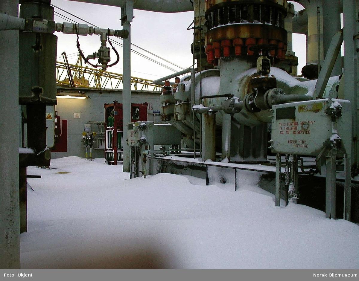 Vinter på Friggfeltet.   Dyp snø ved M1 på TP1.