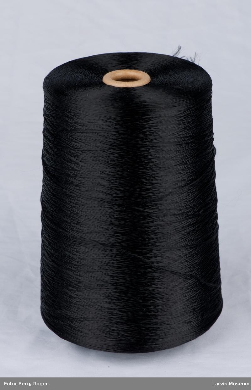 Trådsnelle, blank tråd, med pappspole