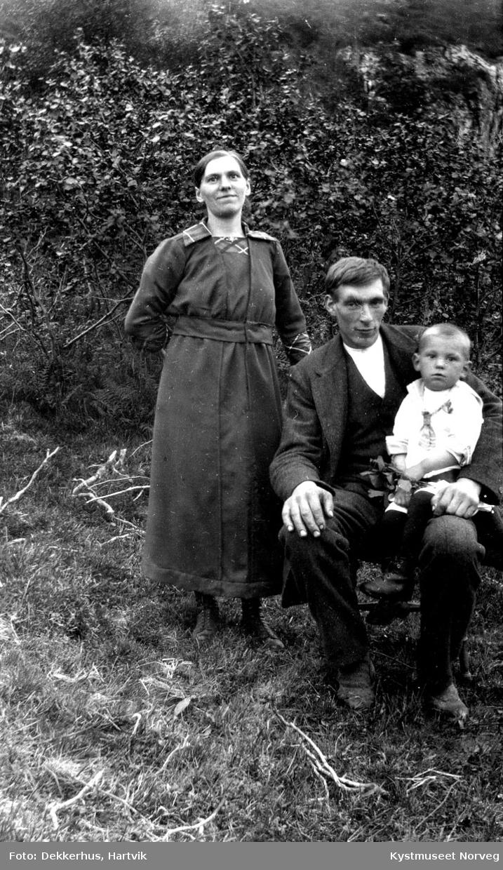 Agnes, Matteas og Yngve Sørensen