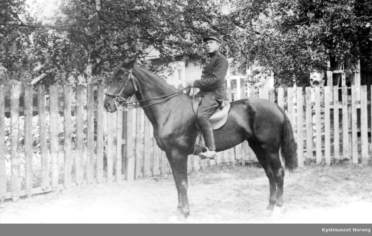Ukjent militær til hest