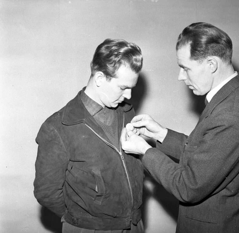 """Enligt notering: """"U-a Sportskytteklubb (Medalj) 12/2 1960""""."""