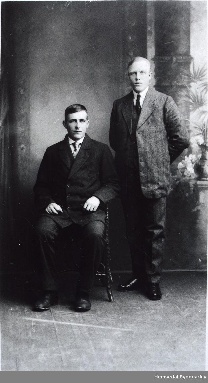 Frå venstre: Knut Prestegardshus (1896-1971) og Ola Prestegardshus (1890-1960)