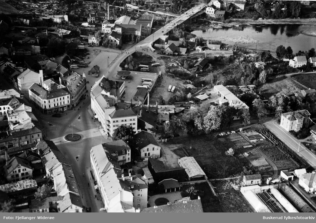 1951 S. Torg, Fossveien, Hønefossen, Hønefoss bru, Kongensgate, Stabellsgate
