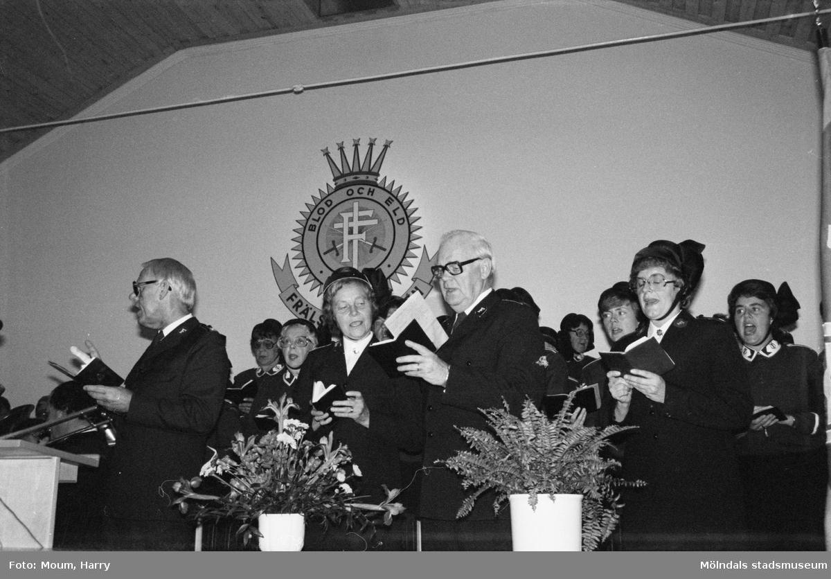 Frälsningsarméns Mölndalskår firar 75-årsjubileum, år 1983.  För mer information om bilden se under tilläggsinformation.