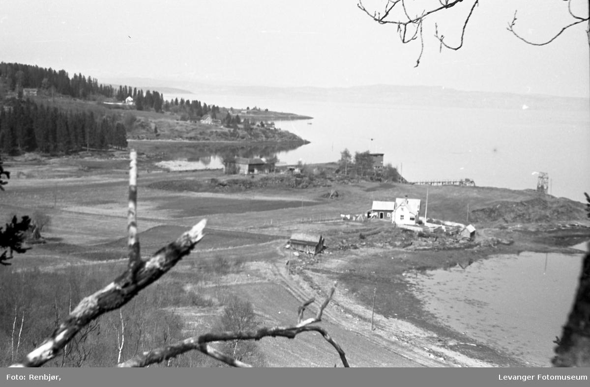 Utsikt fra Staupshaugen mot Sjøbadet.