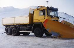 Ola Svingen med ny lastebil i brøyting på Hemsedalsfjellet i