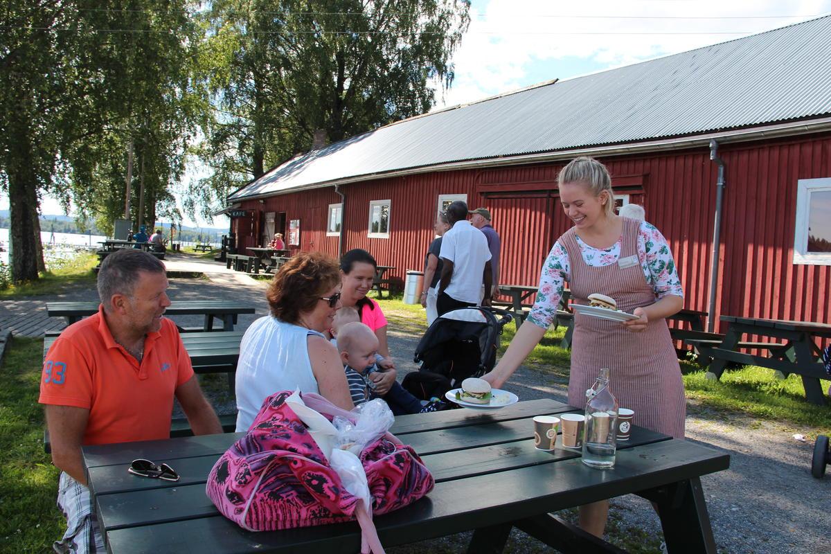 Servering_på_brygga