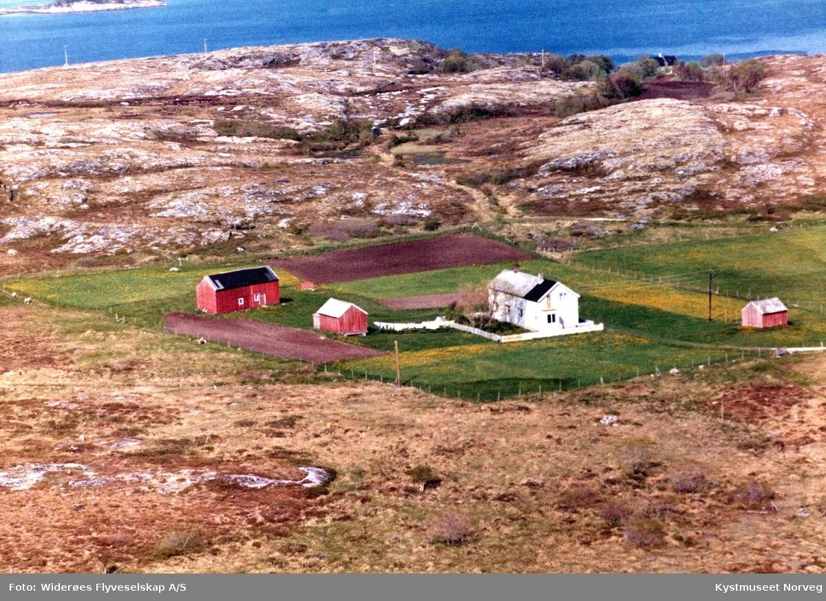"""Flyfoto over Sørosan """"Osan"""" på Ofstad i Vikna kommune"""