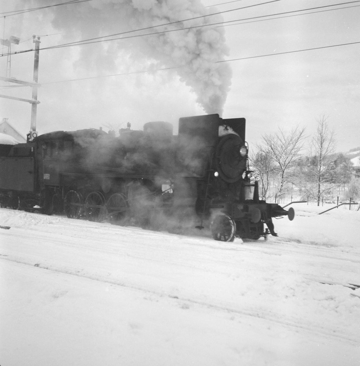 Godstog til Solørbanen trukket av damplokomotiv 26c nr. 433.
