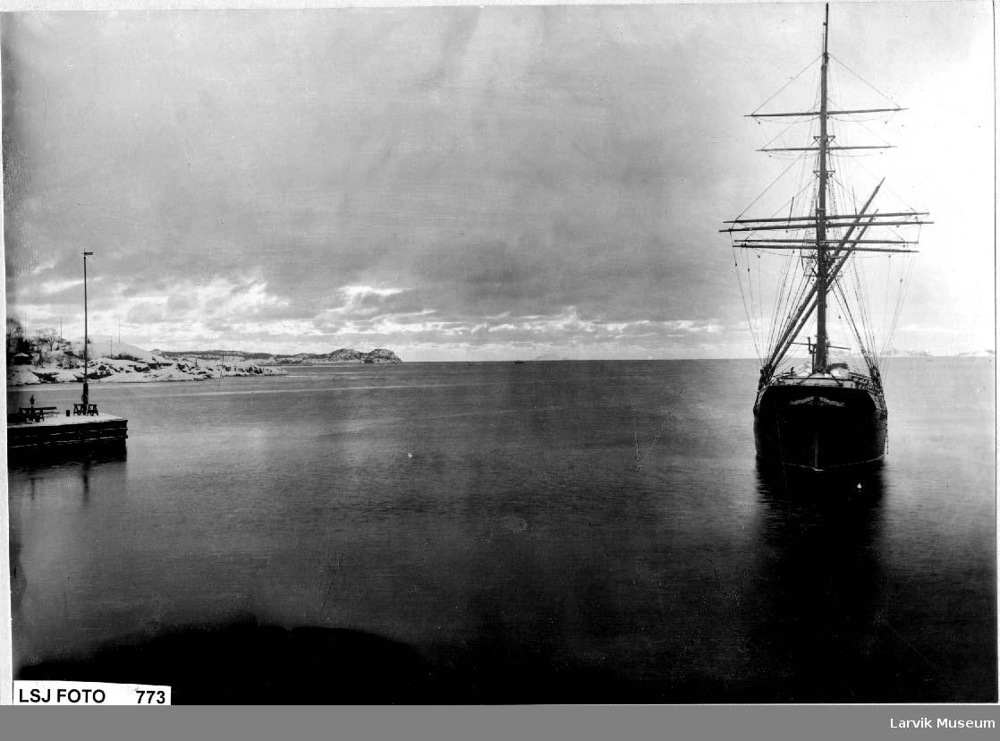 Seilskip på Larvik havn