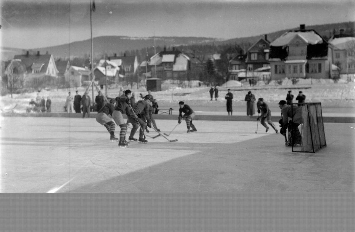 Ishockey på Sportsplassen.