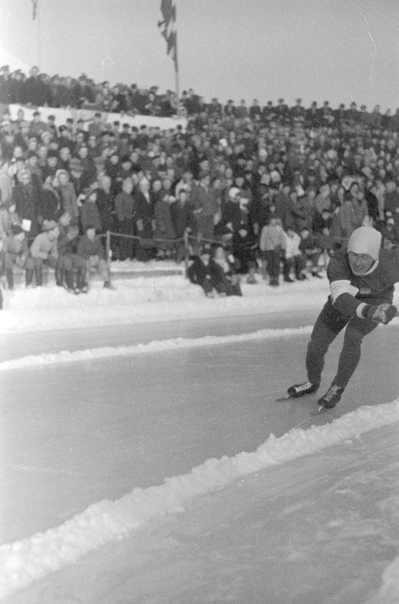 EUROPAMESTERSKAPET PÅ SKØYTER PÅ HAMAR STADION 1948. UKJENTE GJESTER PÅ HAMAR STADION
