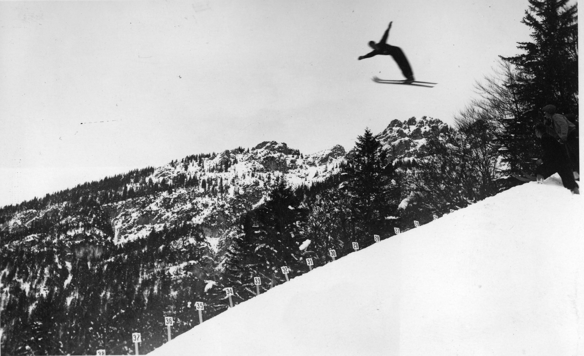 Kongsberg skier Birger Ruud in action, probably at Villars
