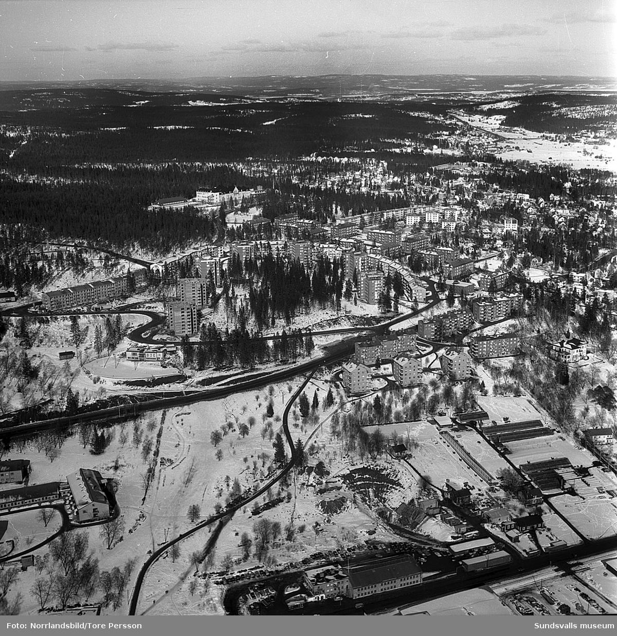 Flygfoto, huvudsakligen över Norrlidens bostadsområde.