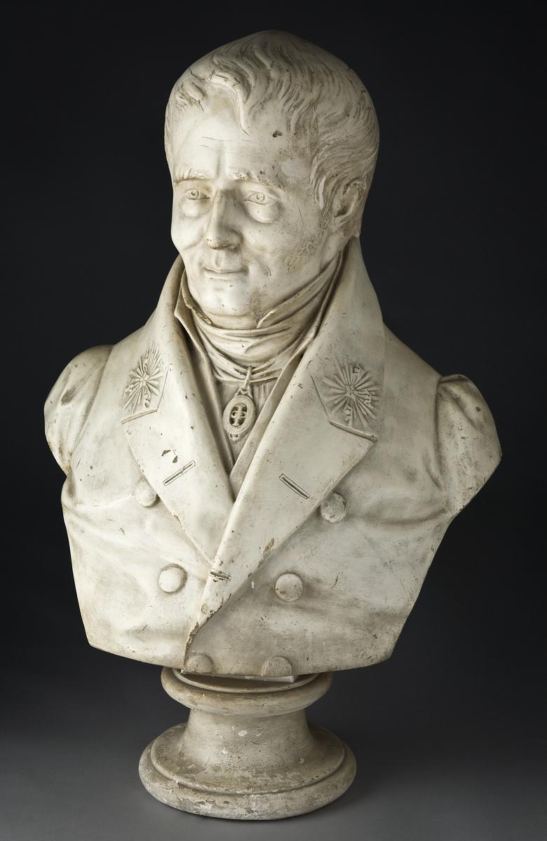 Teknik- och ångbåtspionjären Samuel Owen byggde 1809 upp ett gjuteri- och verkstadsföretag på Kungsholmen i Stockholm, där han utvecklade egna uppfinningar, tillverkade små och stora ångmaskiner och annat gjutgods, utbildade många elever och skötte det första svenska ångbåtsrederiet.