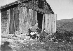 Fiskebua ved Kringletjern er ei gamal stove som vart kjøpt p