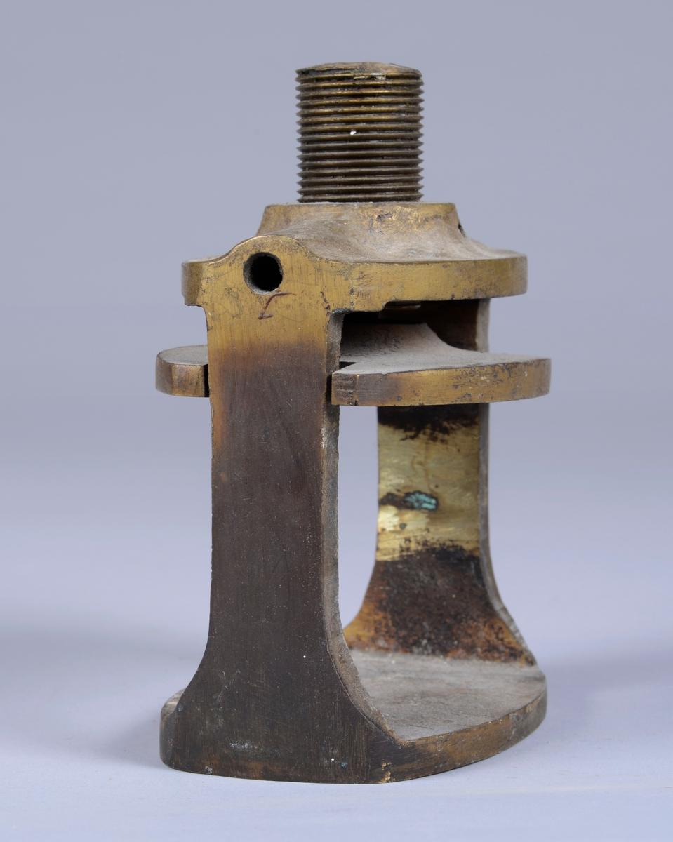 Er brukt til tannteknikerarbeid, som presse i forbindelse med framstilling av proteser (gebiss).