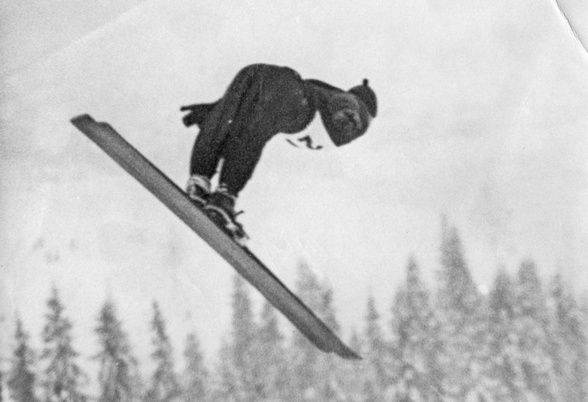 Kongsberg athlete Birger Ruud in skijumping competition