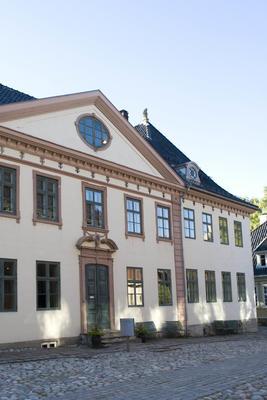 Collett- og Cappelengården, Kirkegata 15