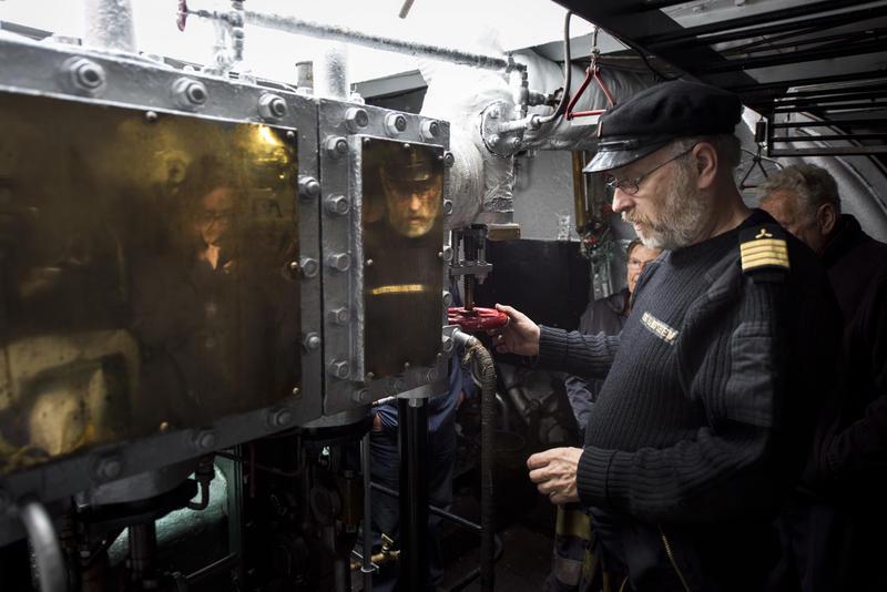 Omvisning i maskin (Foto/Photo)
