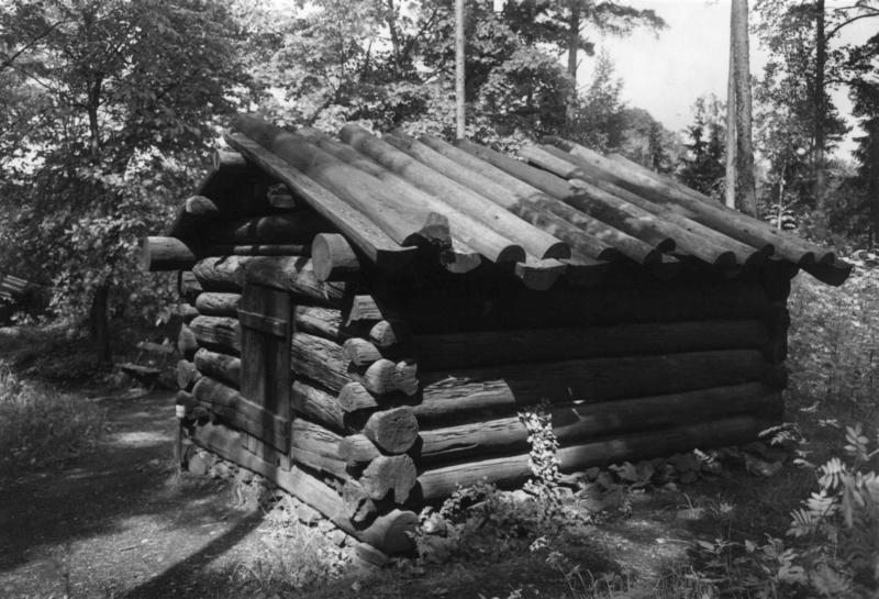 Tømmerkoie fra Fønhus. NF.04898-002
