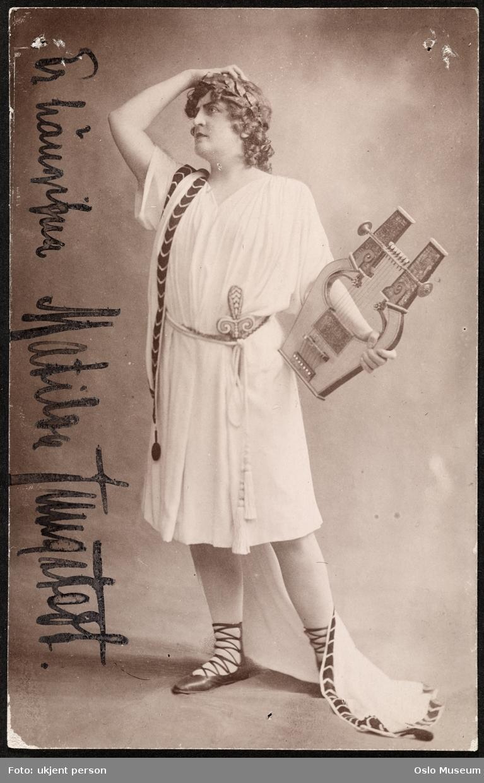 portrett, kvinne, operasangerinne, rollebilde, stående helfigur, kostyme