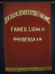 Den socialdemokratiske forening.Stiftet i 1885..Forside..Fan
