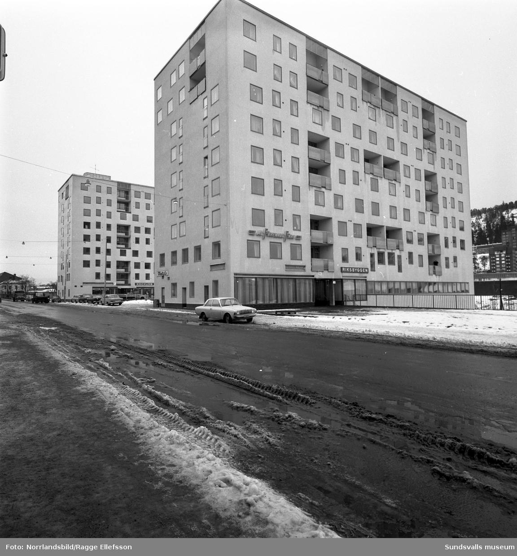 Riksbyggens pågående byggen vid Storgatan, där 52 och 54 står klara.