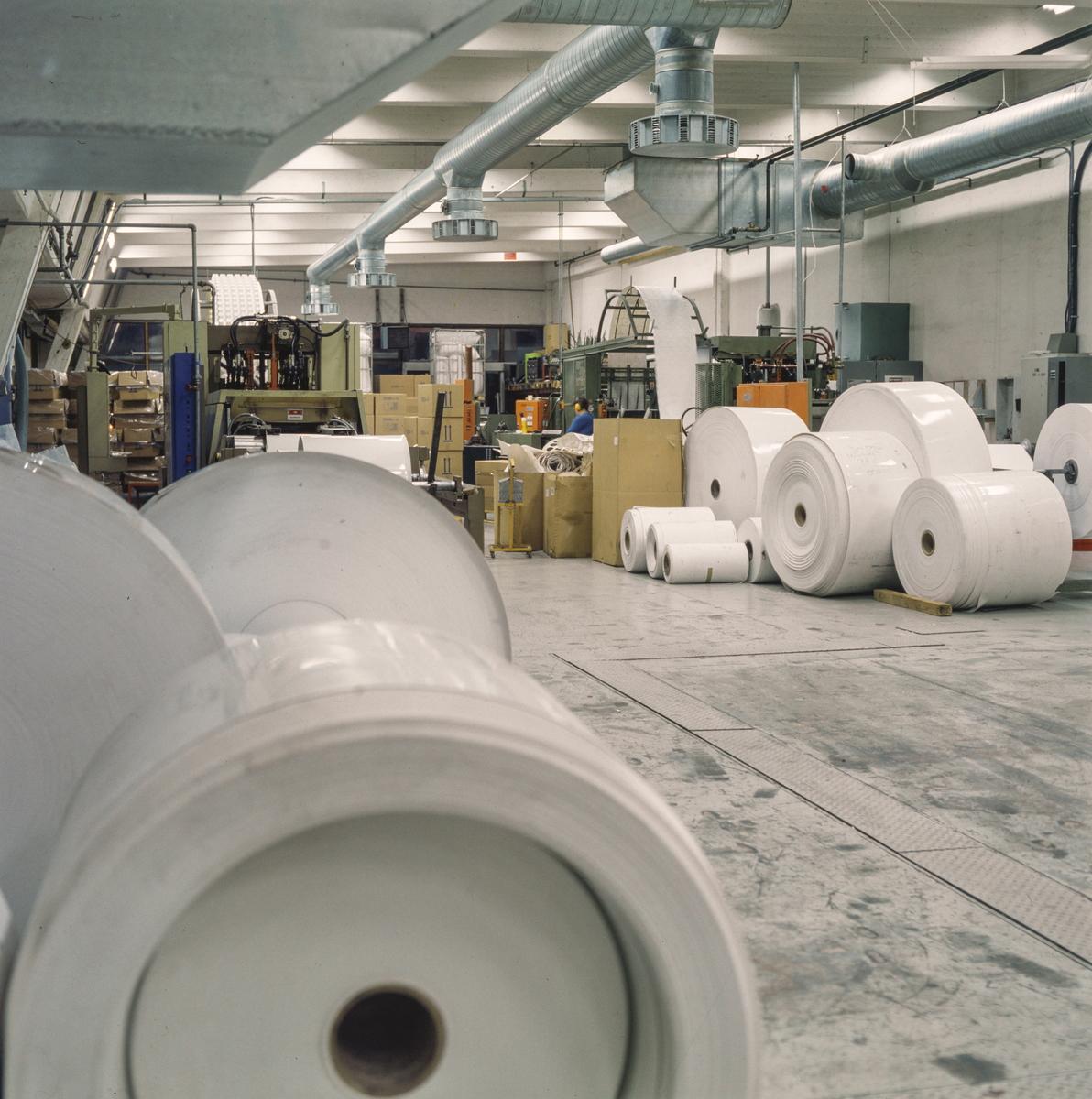 Group no. 64-65-00-00 Picture no. 539262..PVC plast produksjon av plastfolie i .ruller