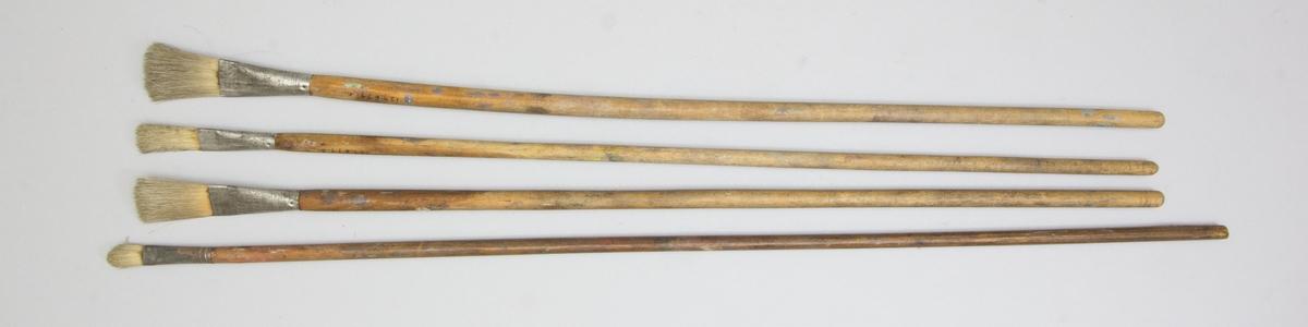 Penselbunt bestående av 4 st penslar. Kraftigt träskaft, metallhylsa och borst.