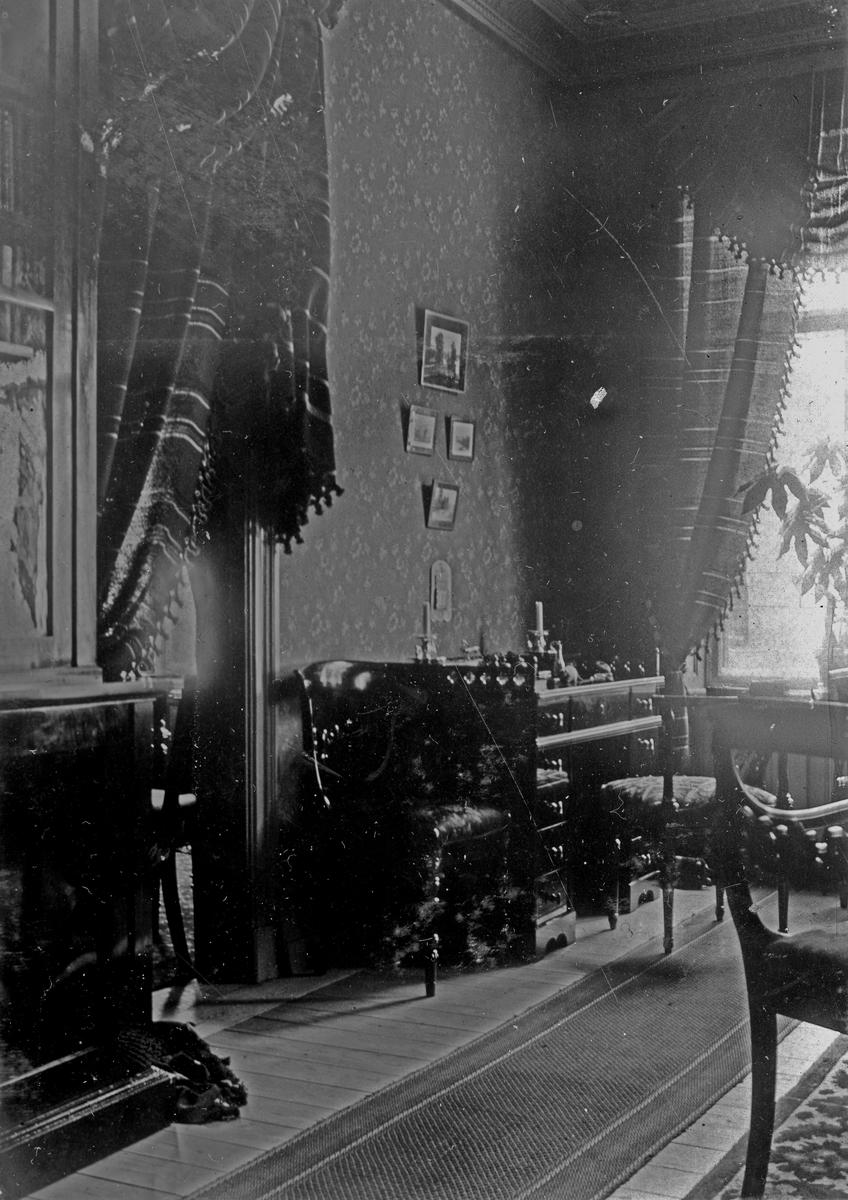 Farfar Johns rum som ungkarl år 1895. Fotograf Alfred Bergendahl. Givare H Bergendahl.
