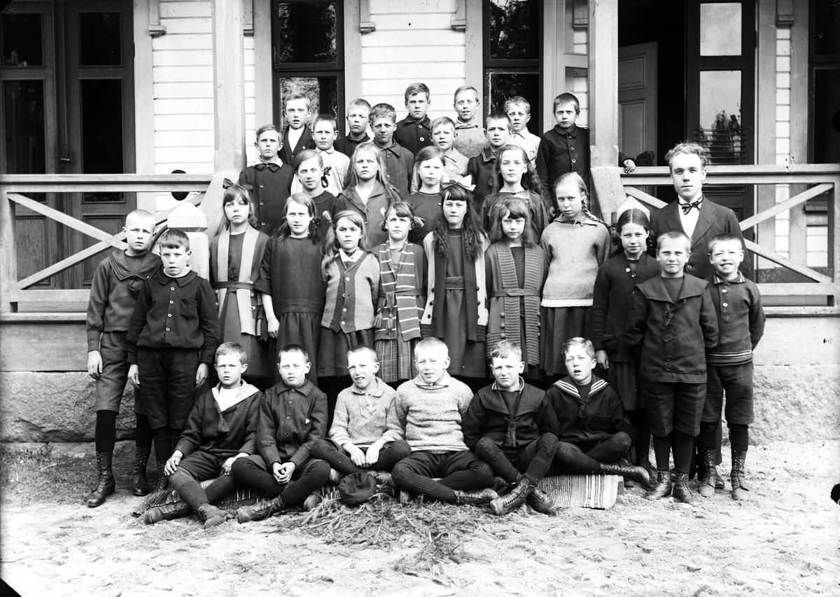 Gruppbild, skolklass, folkskolan i Norrsundet.