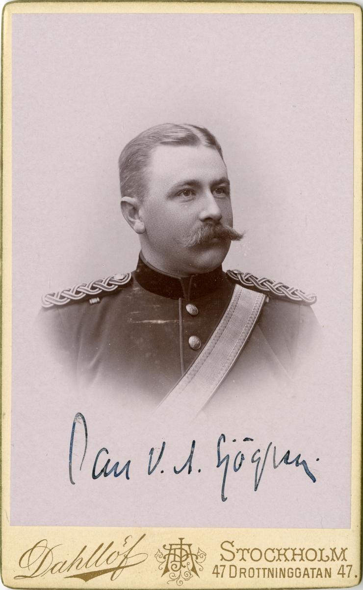 Porträtt av Carl Viktor Sjögren, fältläkare vid Fältläkarekåren.