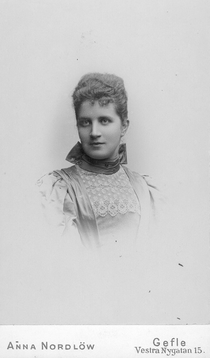 Fru Anna Ekström, född Hansson.