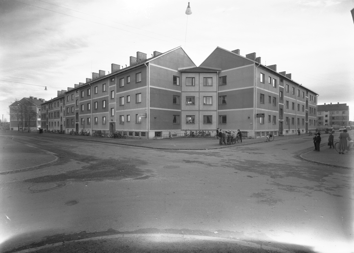 År 1956. Kaserngatan 100-108 på Brynäs, Gävle.
