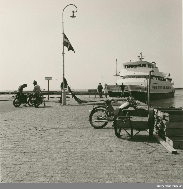 Oknöfärjan i Borgholms hamn.