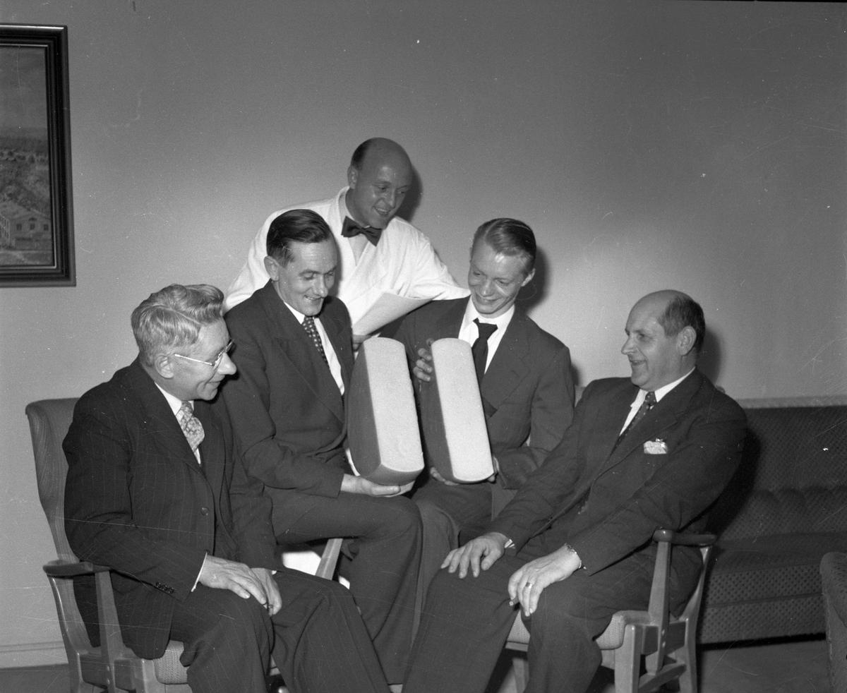 Mejeriföreningen smör- och ostexpo på Baltic. 28 oktober 1953.
