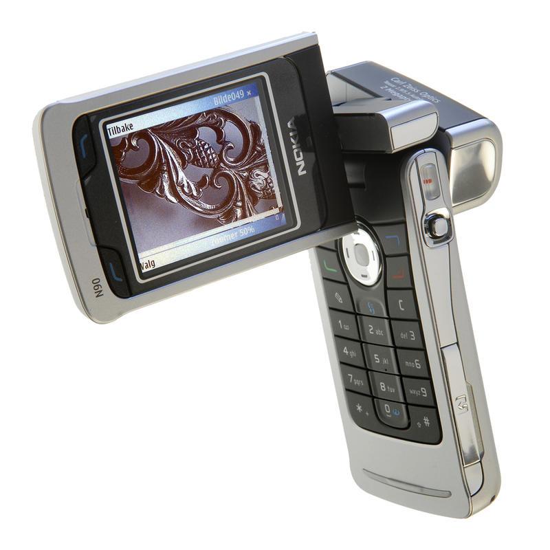 UMTS. Nokia N90 fra 2005 (Foto/Photo)