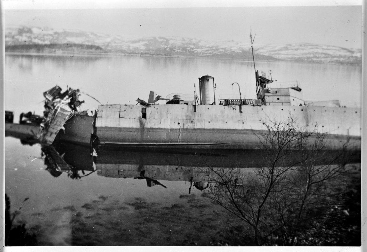 Minesveiperen Frøya i Stjørnfjorden ca. 1940