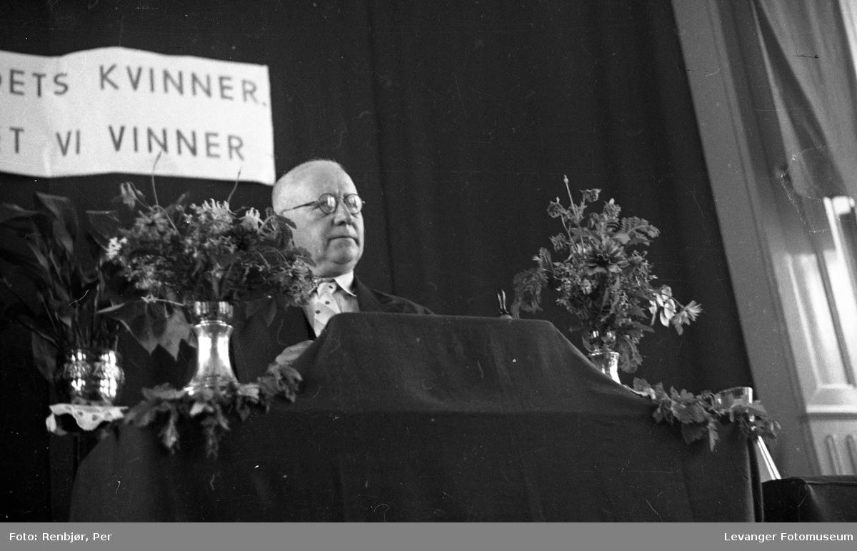 """Festiviteten Levanger: """"Vi vil ha plan i næringslivet"""",folkemøte."""