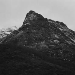 The ideal state (A mountain somewhere in Lofoten) [Fotografi