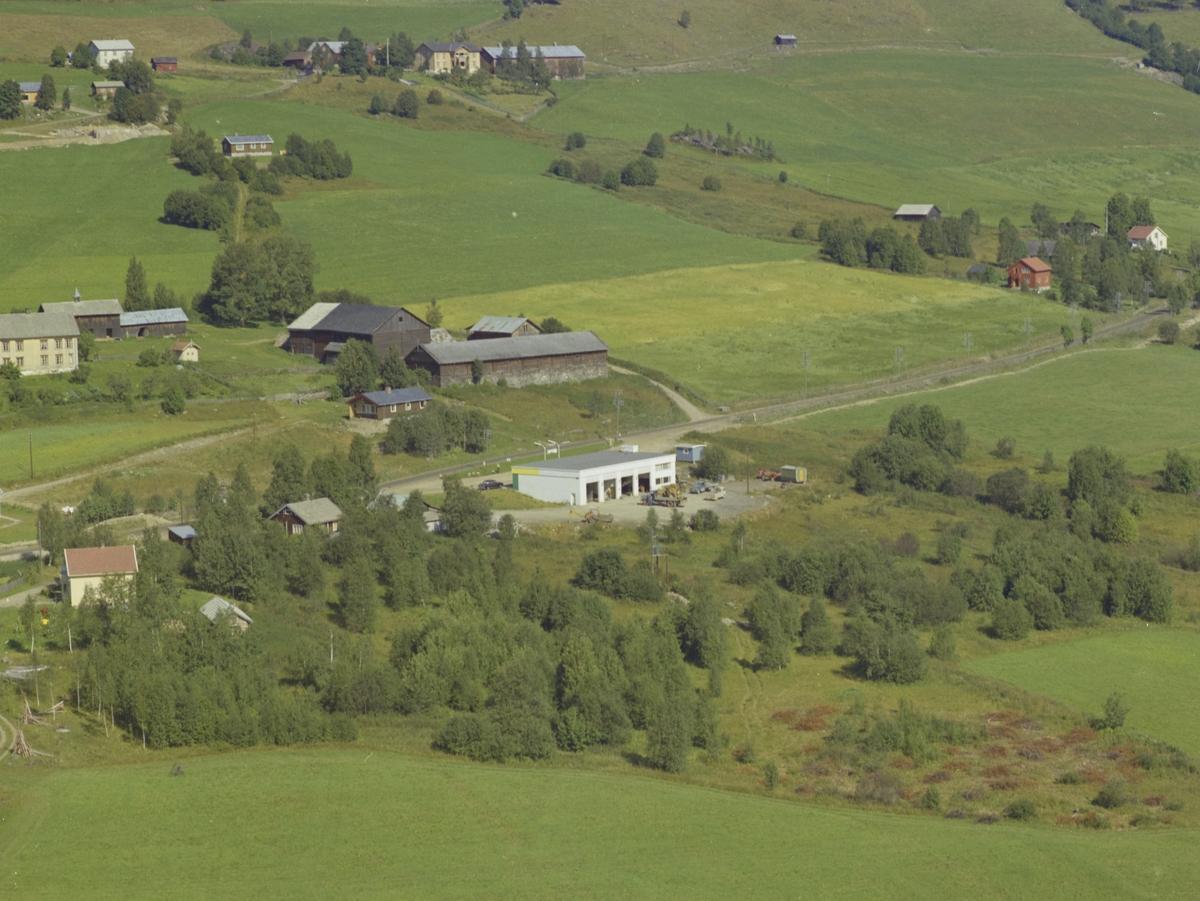 Bensinstasjon med bilverksted, gårdsbruk, Vestre Gausdal