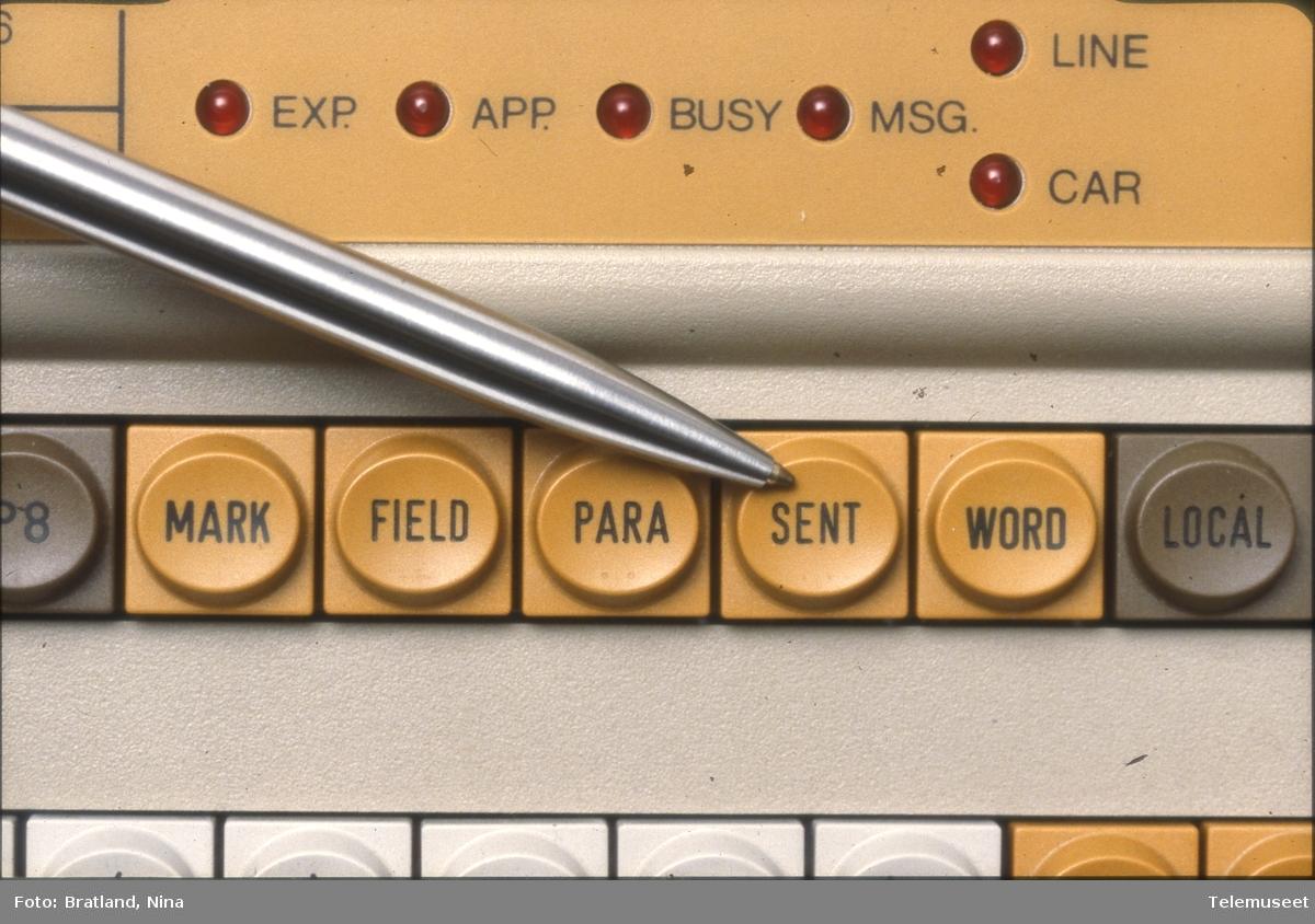 Del av tastatur Norsk Data