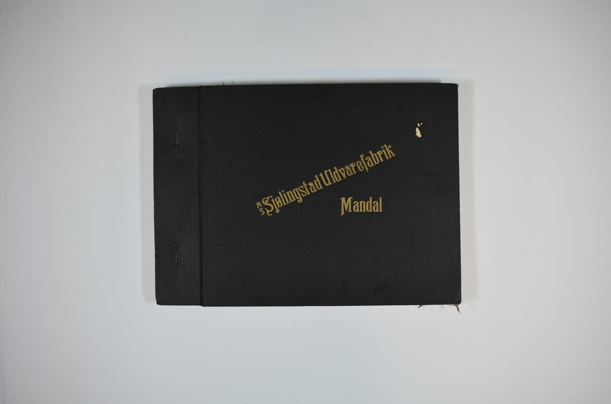 Prøvebok med 4 stoffprøver. Middels tykke stoff med skrå striper. Stoffene ligger brettet dobbelt i boken slik at vranga dekkes. Stoffene er merket med en rund papirlapp, festet til stoffet med metallstifter, hvor nummer er påført for hånd. Innskriften på innsiden av forsideomslaget indikerer at alle stoffene har kvaliteten 167D. Påskriften på den første stofflappen viser imidlertid at kvalitetsnummeret også kan være 167B/D  Stoff nr.: 167D/1, 167D/2, 167D/3, 167D/4 Eller : 167B/D/1, 167B/D/2, 167B/D/3, 167B/D/4.