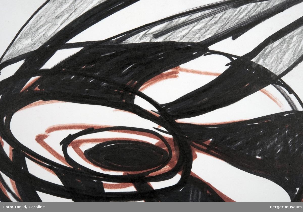 """Svart-hvit skisse til design """"Østers"""", noe brun tusjmarkeringer av innerste form"""