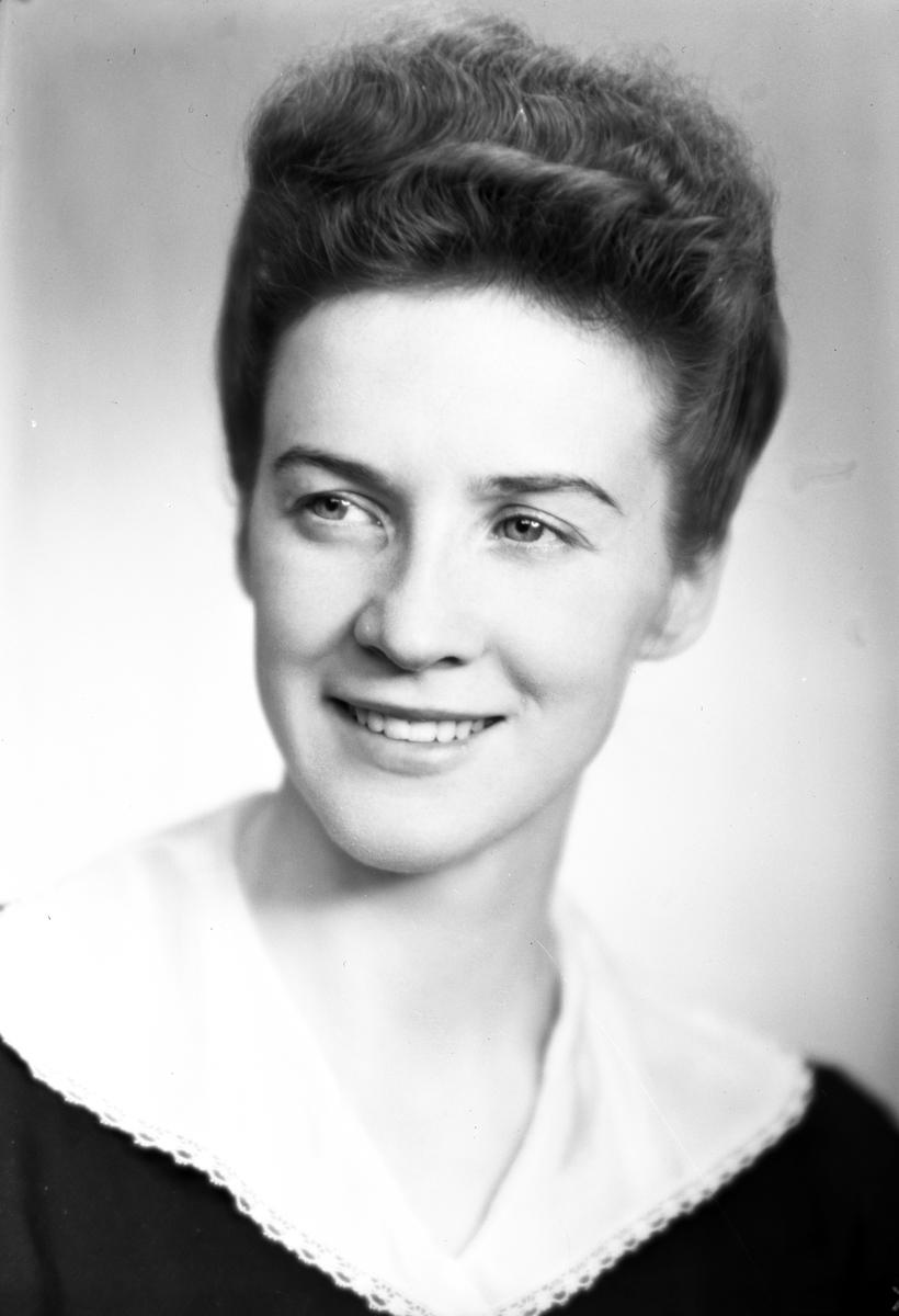 Fröken Greta Åslund, Box 76, Hagaström. 5 december 1944.