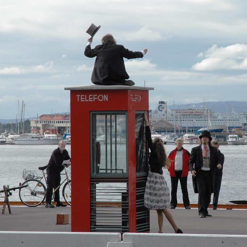 Drama rundt den vernede telefonkiosken på Akershuskaia.