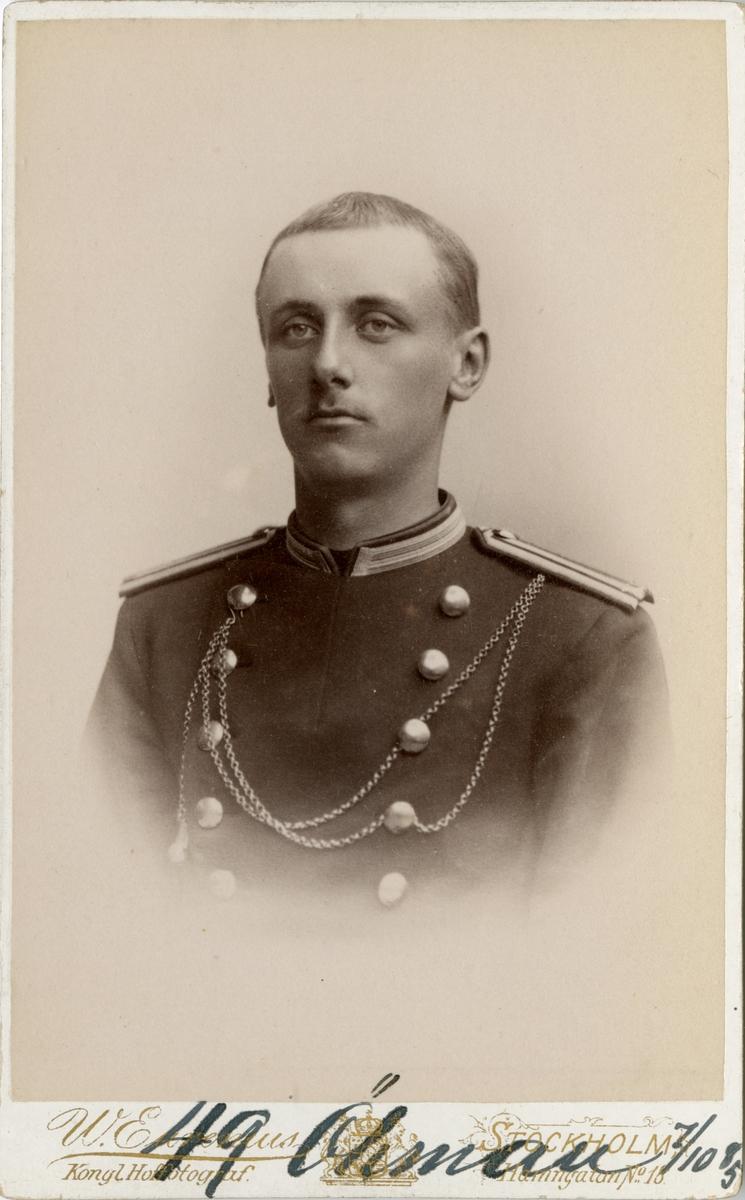 Porträtt av Olof Robert Öhman, underlöjtnant vid Västerbottens fältjägarekår I XIX.