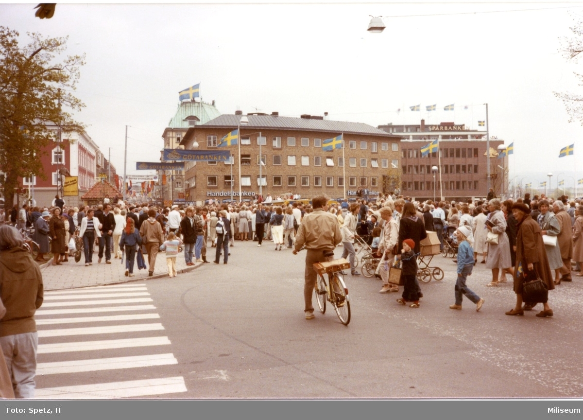 Jönköping 700 år. Publik på stan.