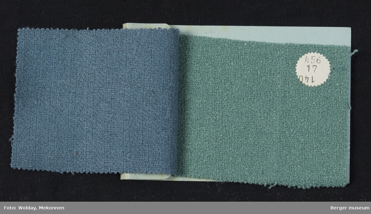 Prøvebok med 2 prøver Drakt/kåpe Kvalitet  455 Stykkfarget